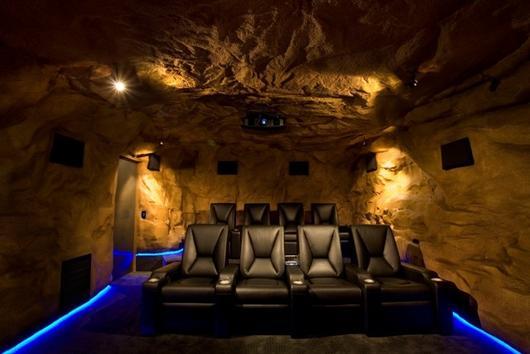 سینما خانگی غار خفاش ها